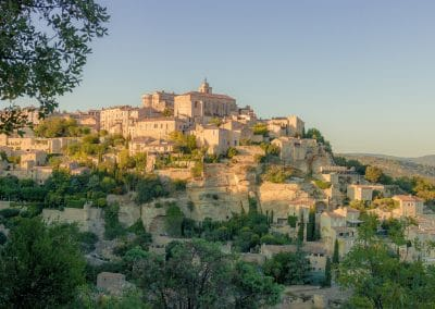 Gordes and its golden stones ...